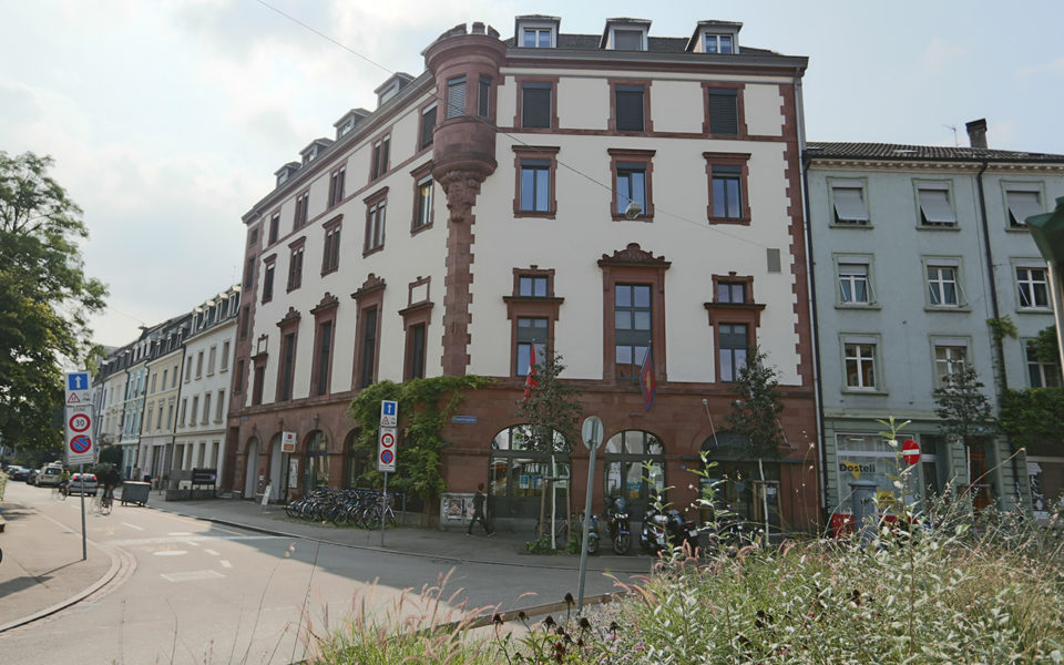 Heilsarmee Gebäude am Erasmusplatz